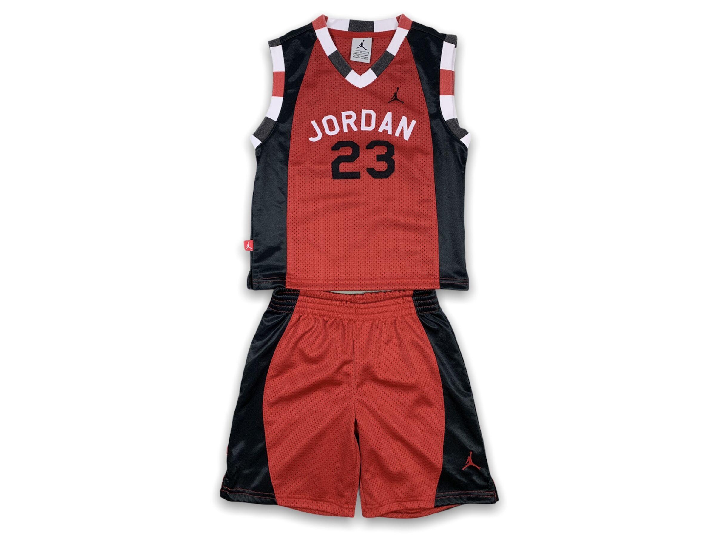 Jordan szett ( 3-4 év)