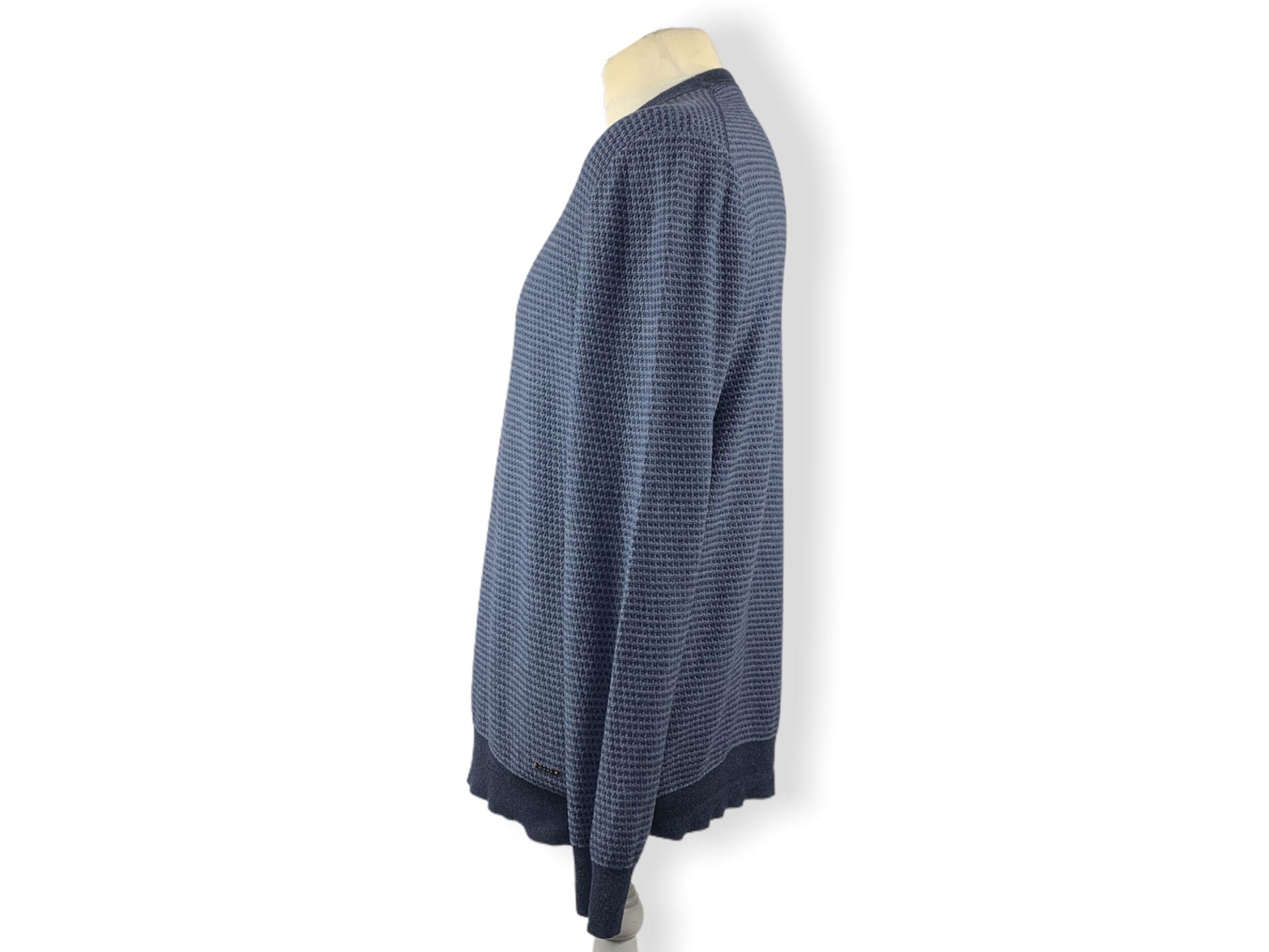 Hugo Boss pulóver (XXL)